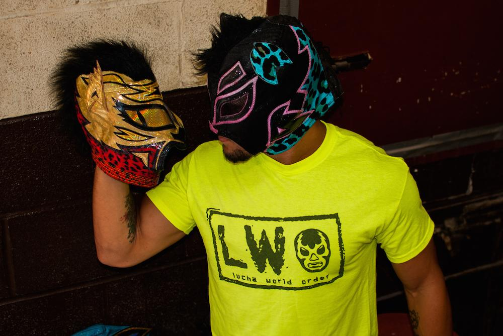 https://sports-images.vice.com/images/2015/09/14/lucha-libre-finds-new-home-in-toronto-body-image-1442259178.jpg?output-quality=75
