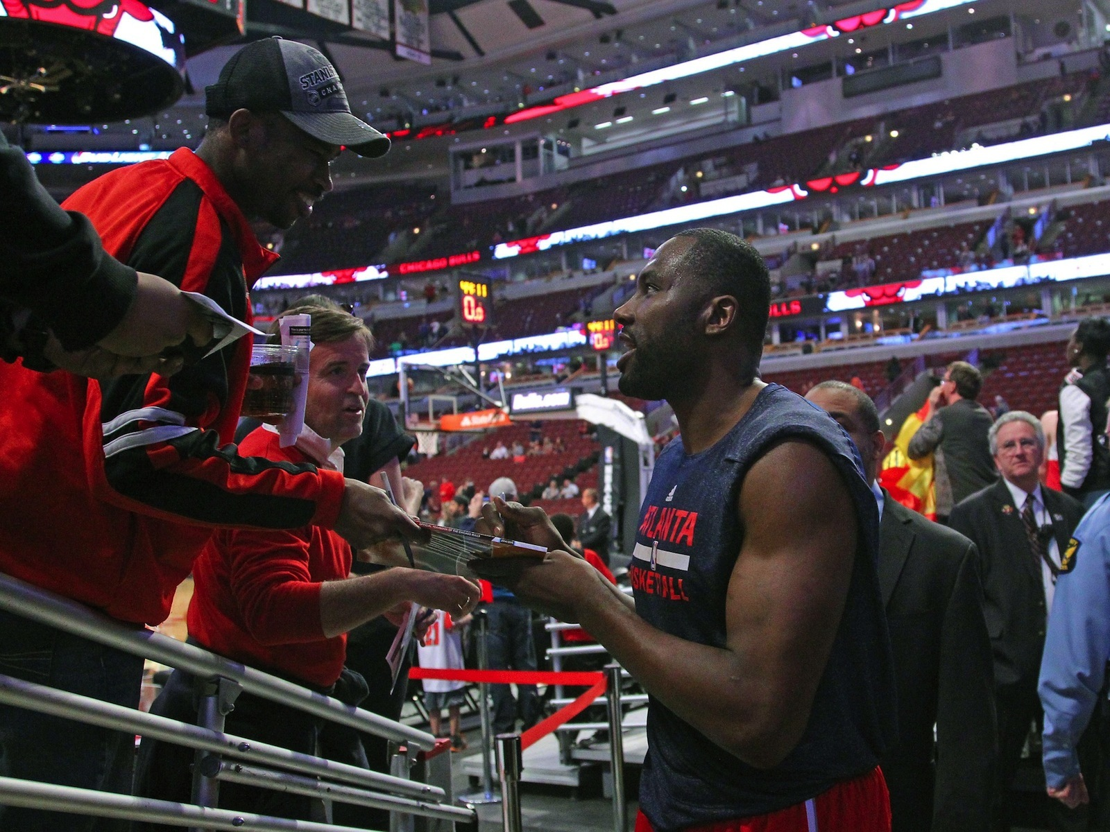 Elton Brand Returns to Philadelphia as a Leader of Big Men