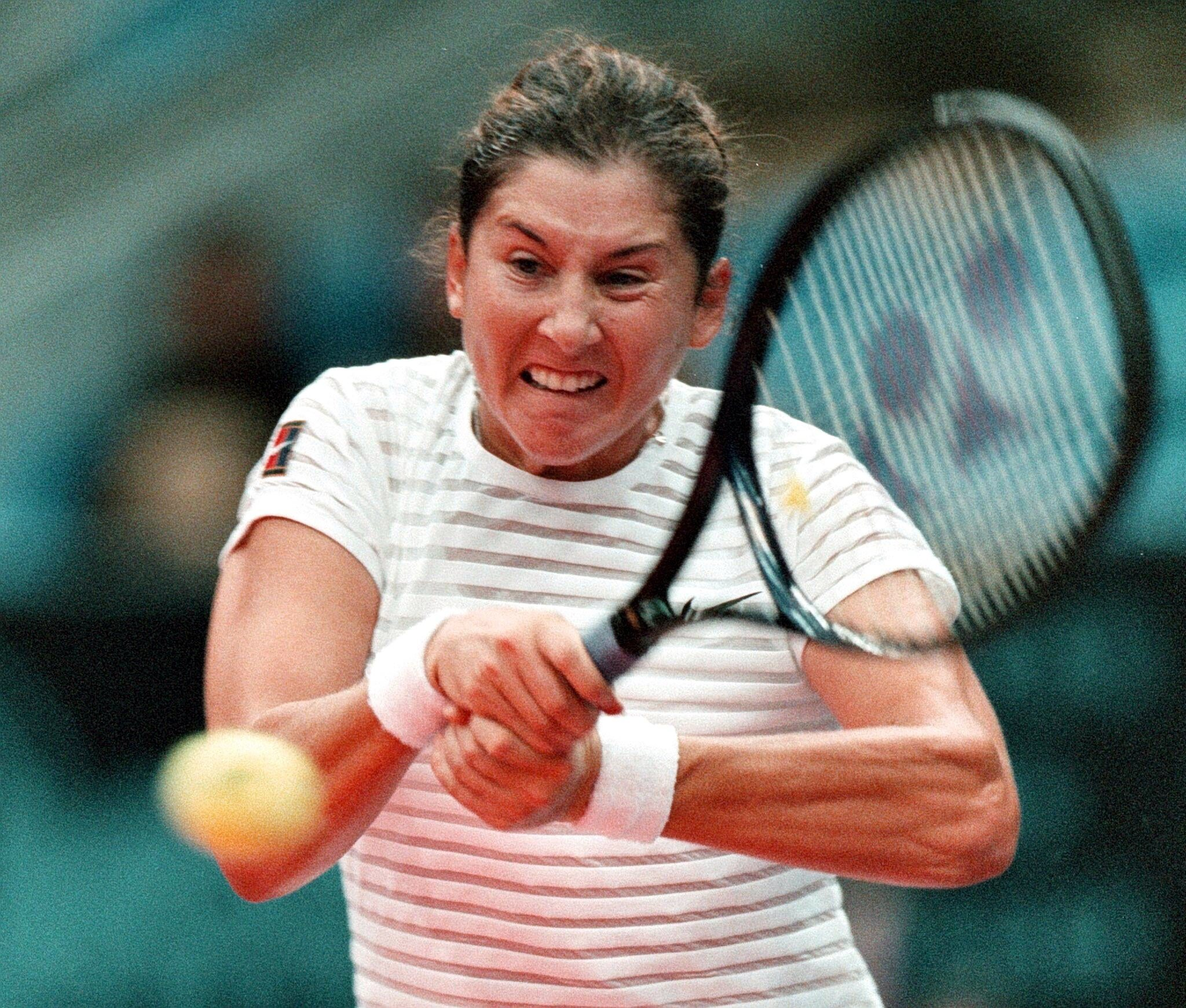 Throwback Thursday Monica Seles Takes the Throne VICE Sports