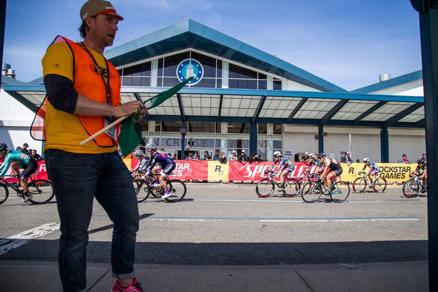Why the Red Hook Crit May Be the Safest No-Brake Bike Race