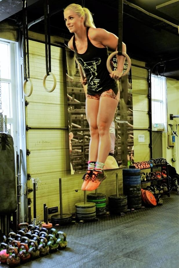 how-annie-thorisdottir-the-veteran-crossfitter-and-her-countrywomen-could-sweep-the-crossfit-games-body-image-1469013366.jpg?output-quality=75