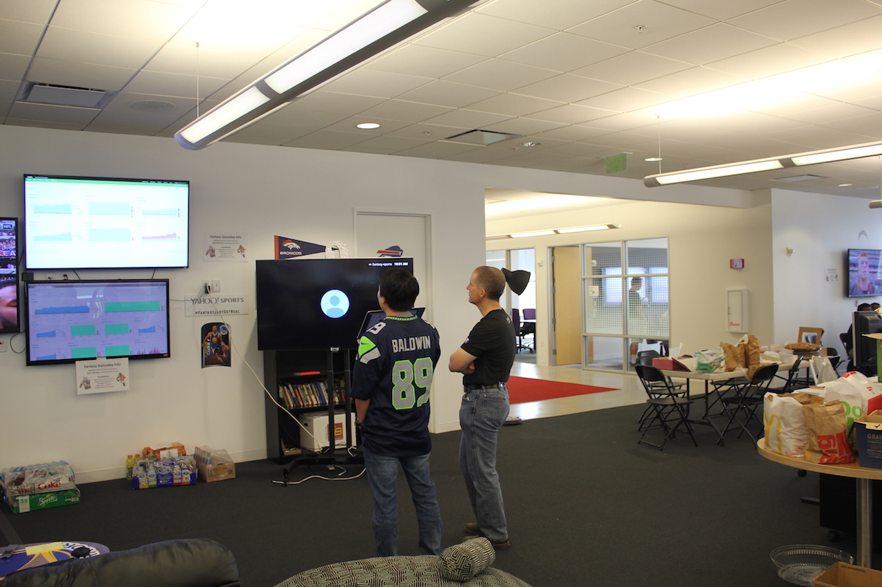 Inside Yahoo's Fantasy Sports Mission Control on NFL Game ...