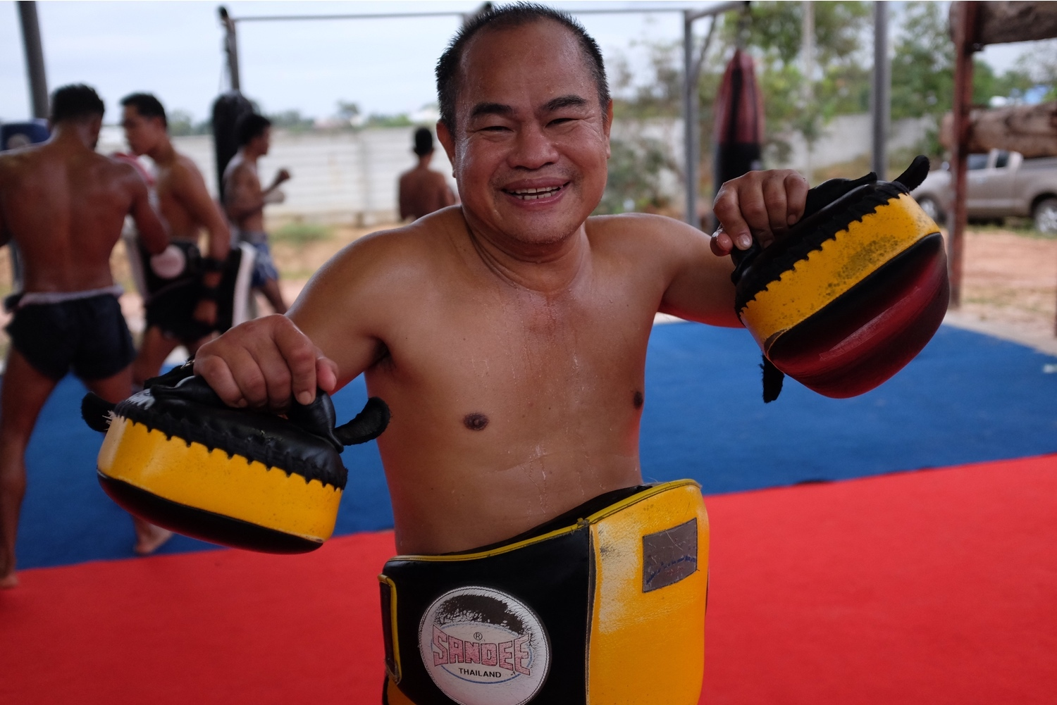 community news, A Farang at Lamnamoon Muay Thai