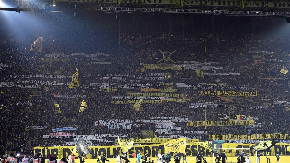 Wir Haben Die Dortmunder Protestbanner Gegen Leipzig