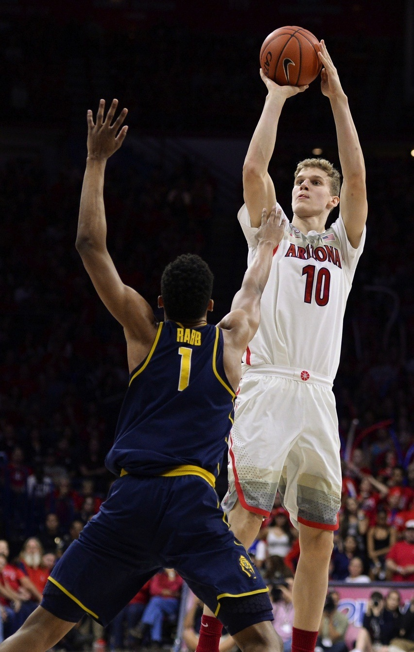 https://sports-images.vice.com/images/2017/02/23/lauri-markkanen-will-stretch-nba-floors-but-can-he-stretch-his-game-body-image-1487871903.jpg