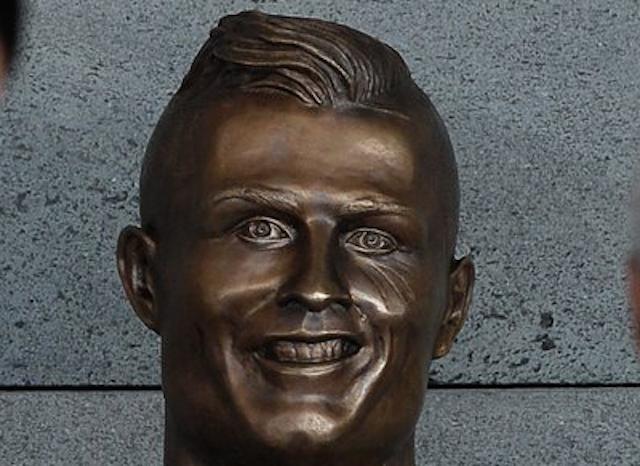 Image Result For Cristiano Ronaldo Statue