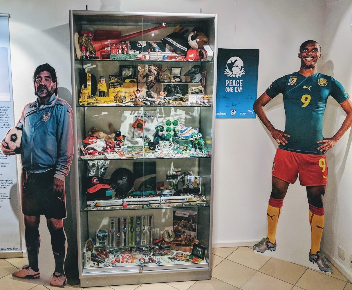 Adidas vs. Puma ᄄC Wie eine Familienfehde zwei Sportriesen