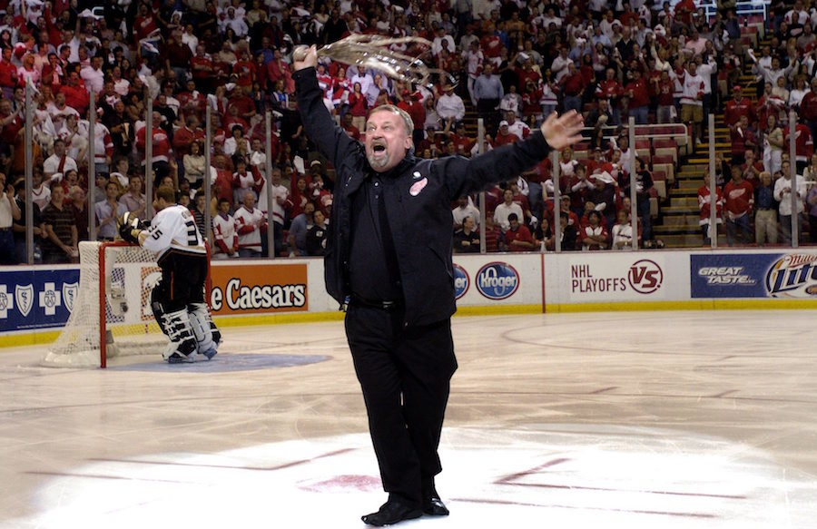 How detroits octopus tossing tradition started vice sports al sobotka with octopus in hand on the joe louis arena ice during the 2007 western conference final photo by jerry mendozaap voltagebd Images