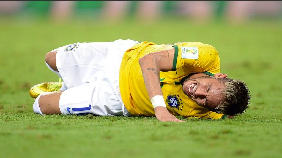Brazilians Respond to Neymar Injury on Social Media with Threats, Insults, and More Threats