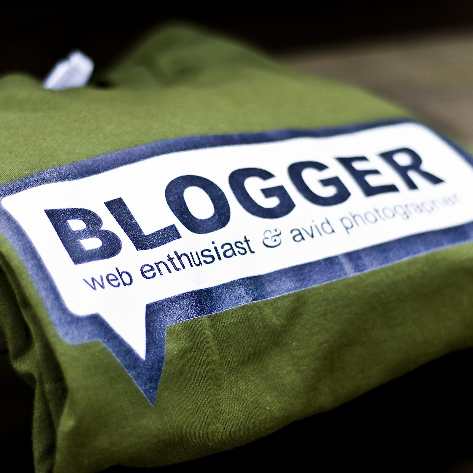 how to get a job as a sports blogger