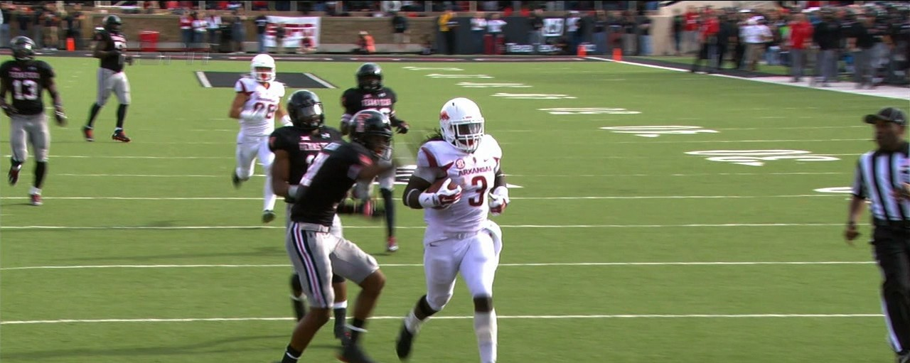 Alex Collins Rushes 84 Yards For Touchdown Against Steamrolled Texas Tech