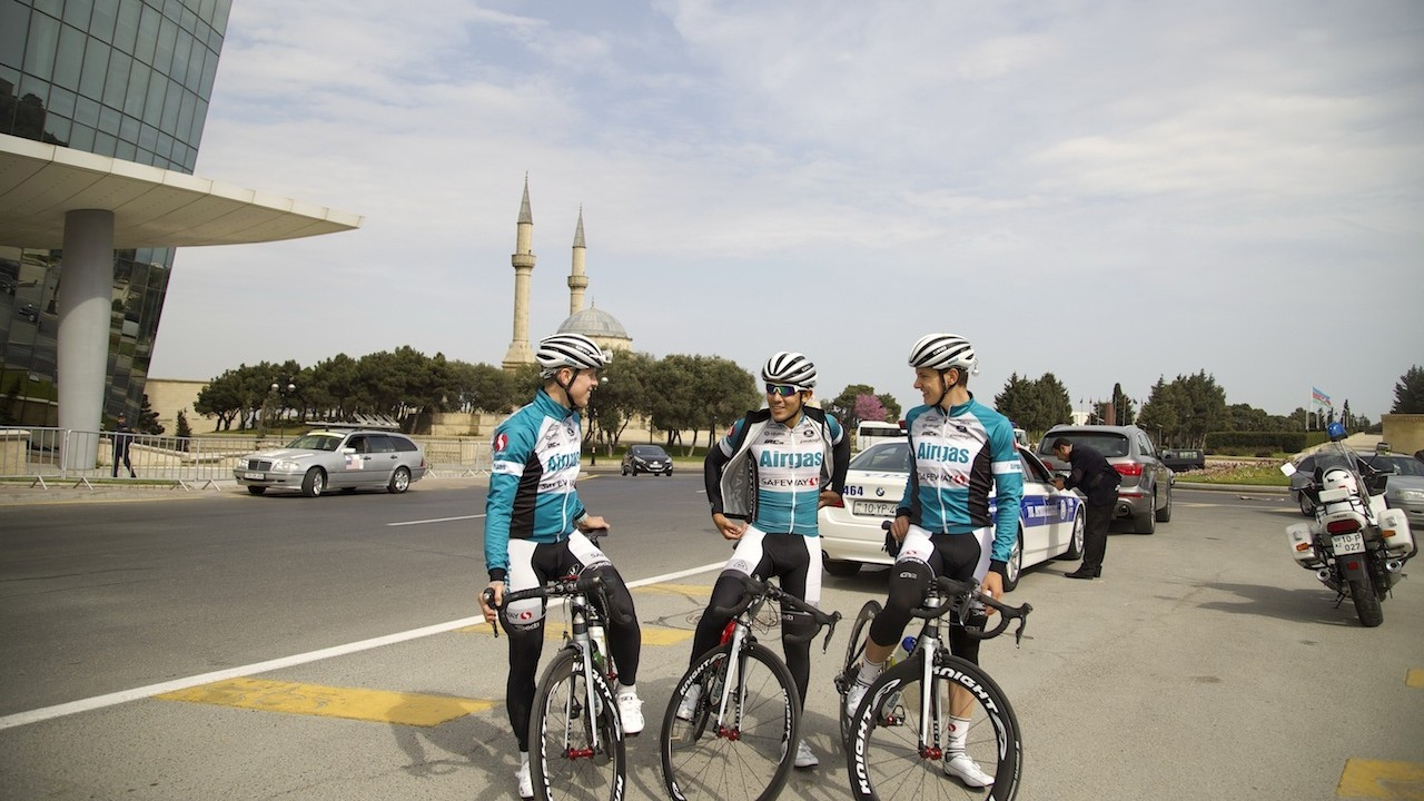 Azerbaijan On Two Wheels: The Whole World On A Bike