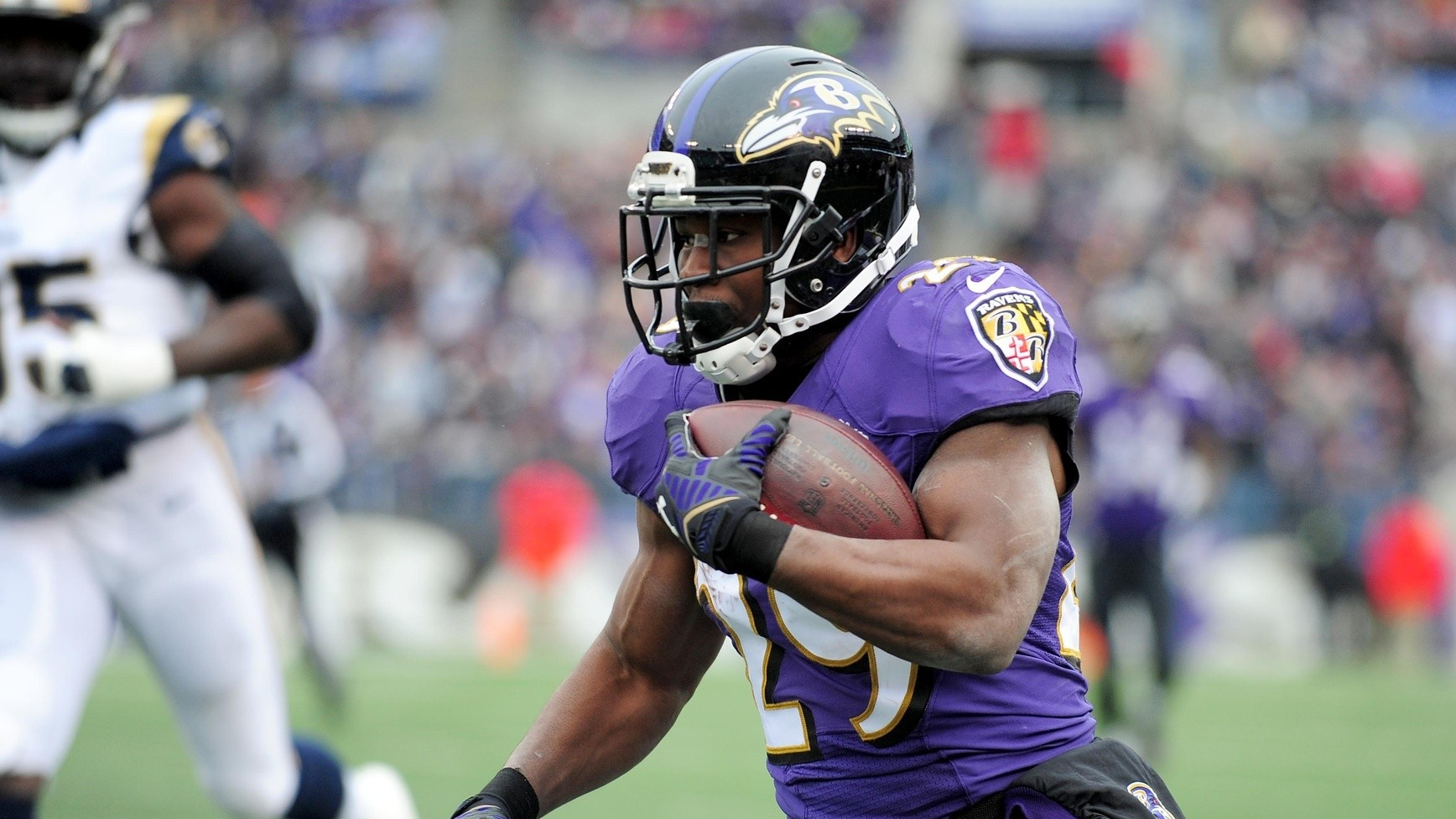 VICE Sports Q&A: Justin Forsett On NFL Players' Flint Water Crisis Relief Efforts