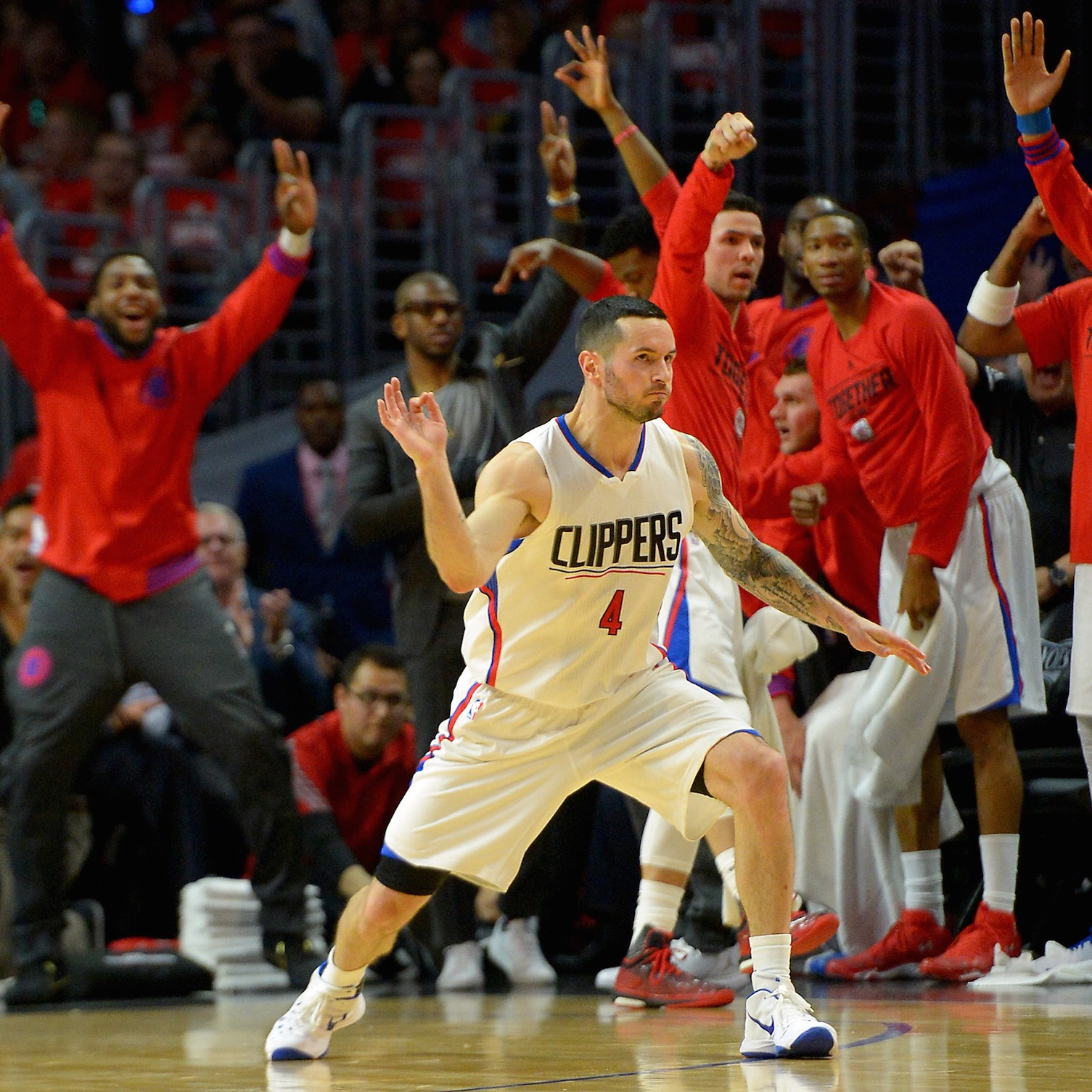 Blake-griffin-chris-paul-down-clippers-not-out-1461950643.jpg?crop=0