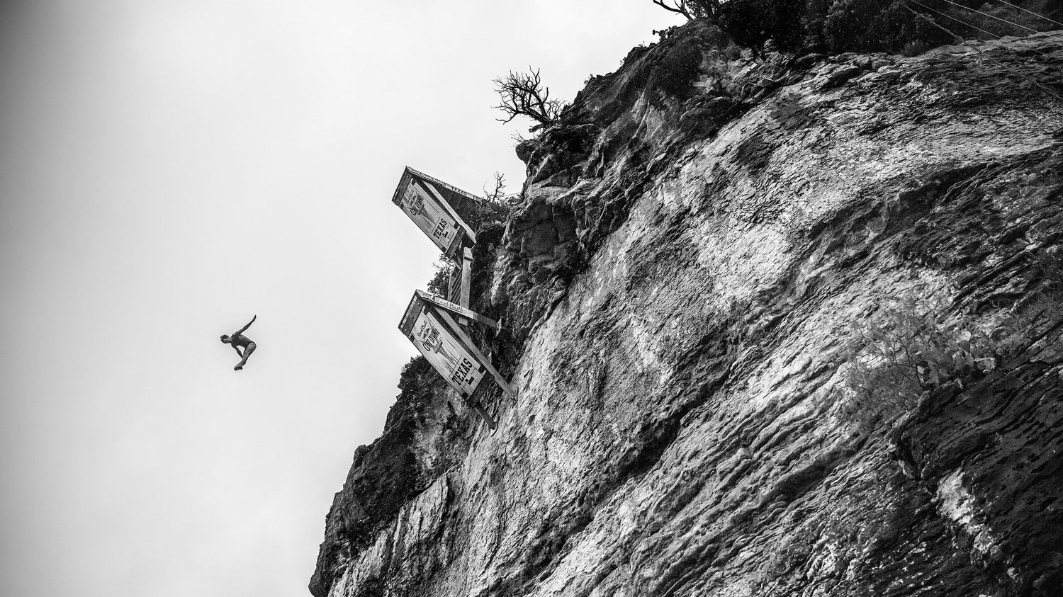 Even the Best Cliff Diver in the World Gets Scared Before the Jump