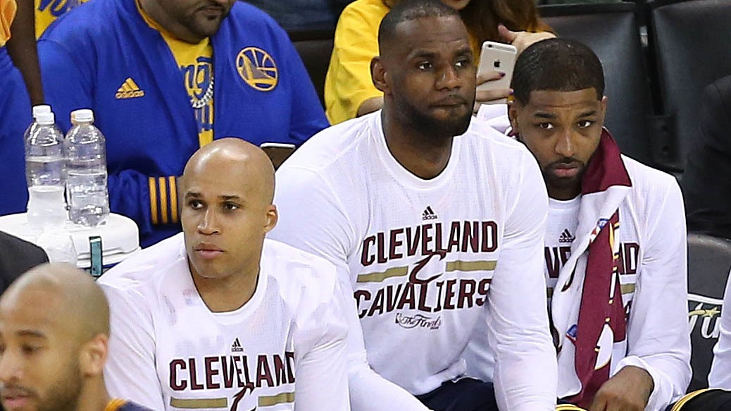 The Cavs Are Flawed, And The Warriors Are Taking Advantage
