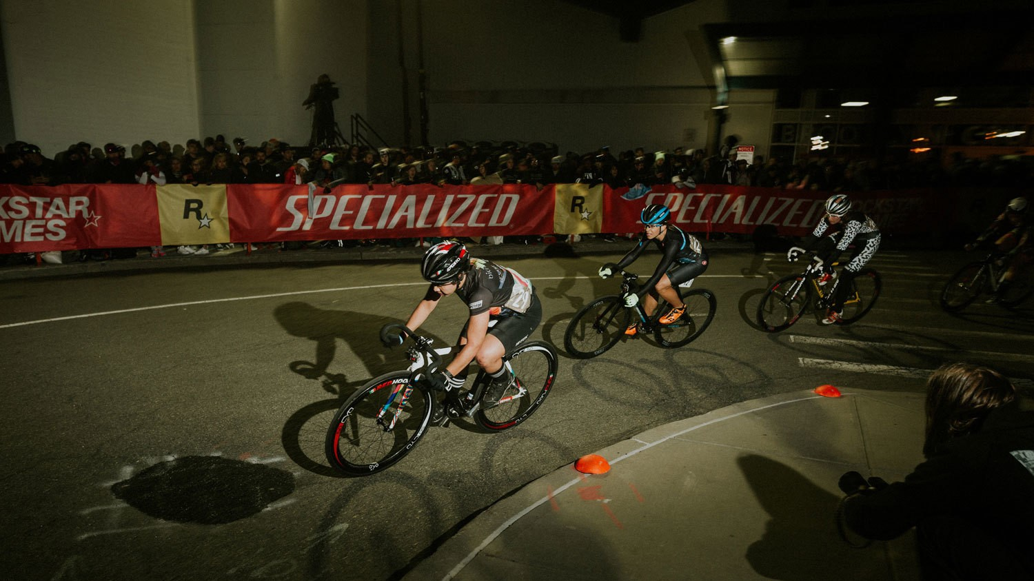Why the Red Hook Crit May Be the Safest No-Brake Bike Race In the World