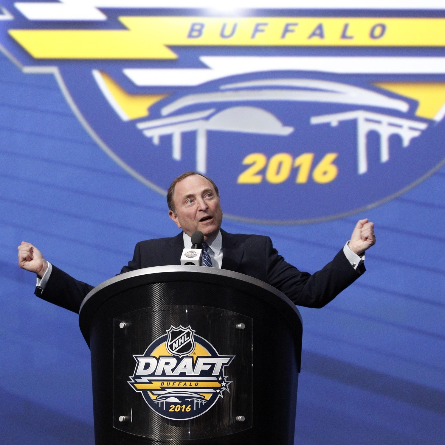 How-the-nhl-draft-is-made-1467218879.jpg?crop=0