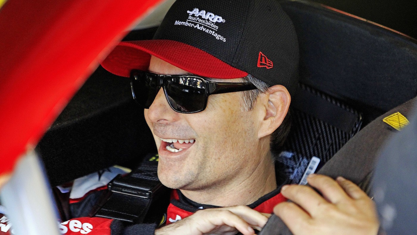 Jeff Gordon Return Confirmed as Earnhardt Remains Sidelined