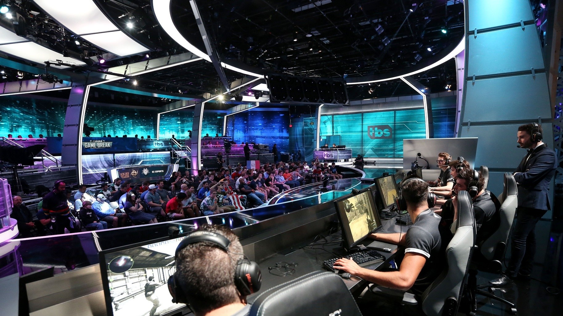 How Esports Can Survive When the Sponsorship Bubble Bursts