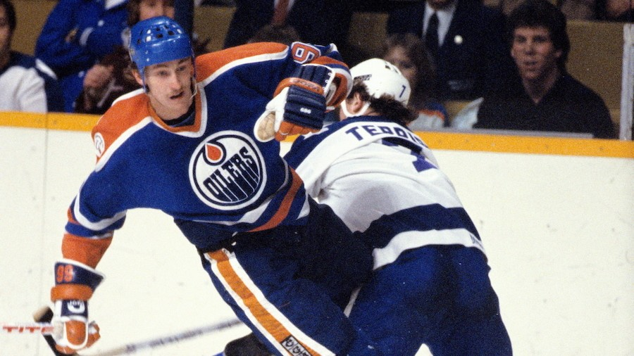 Down Goes Brown's Grab Bag: All the Times Wayne Gretzky Got Hit