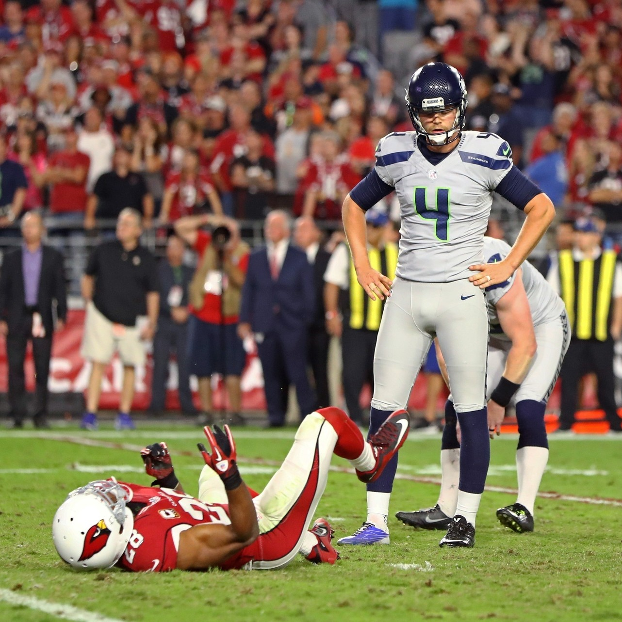 Even-the-cardinals-seahawks-tie-cant-save-this-dumb-season-week-7-of-dumb-football-with-mike-tunison-1477324932.jpg?crop=0.6998050682261209xw:1xh;0