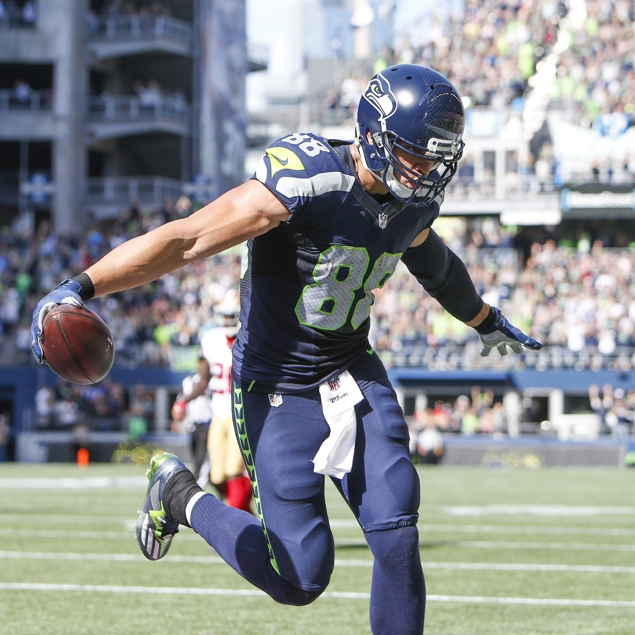 Jimmy-graham-is-the-nfls-next-great-comeback-story-1477605838.jpg?crop=0