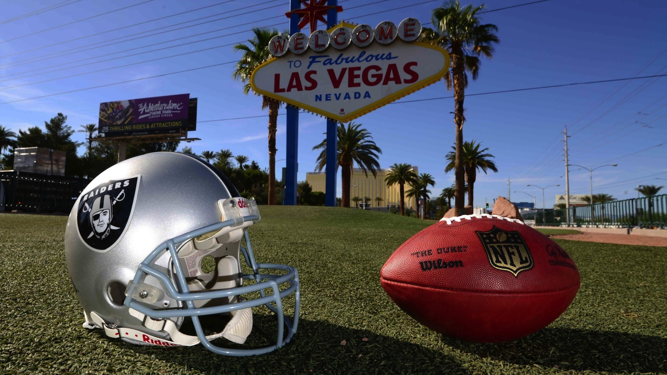 If the Raiders Move to Vegas, the NFL Will Lose What's Left of Its Soul