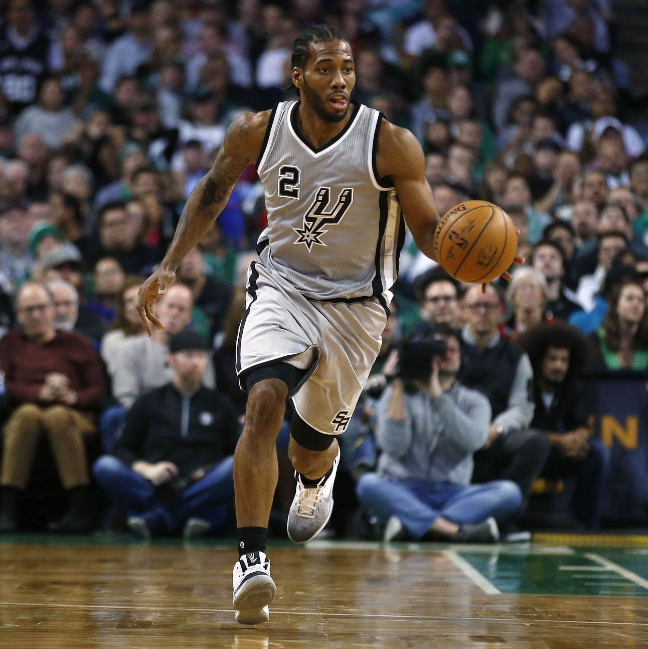 On-offense-and-defense-can-kawhi-leonard-have-it-all-1480355972.jpg?crop=0