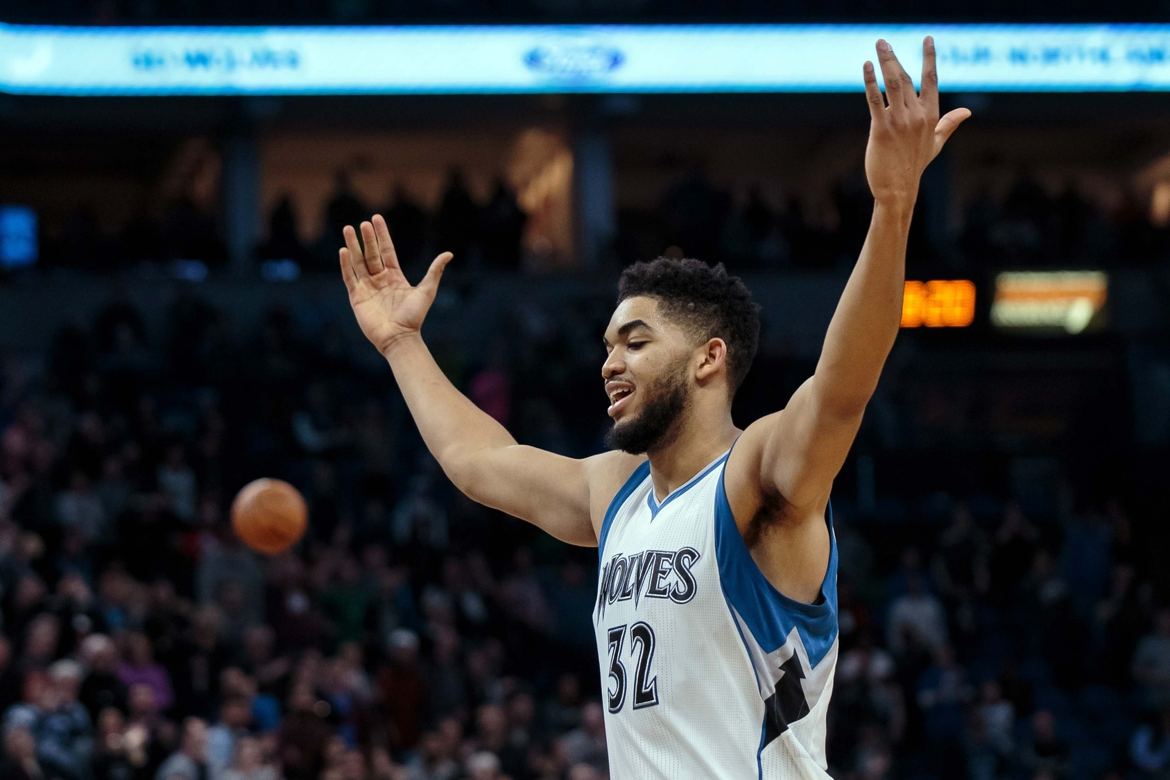 How Karl-Anthony Towns and Minnesota Can Reach the Next Level  Adam Mares   NBA Wraparound - VICE Sports 39e74e0a3