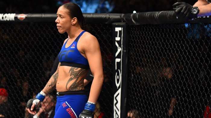 UFC 208 Quick Results: De Randamie Captures Featherweight Gold