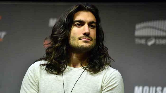 We Talk to Elias Theodorou, The First MMA Fighter Sponsored by Pert Plus