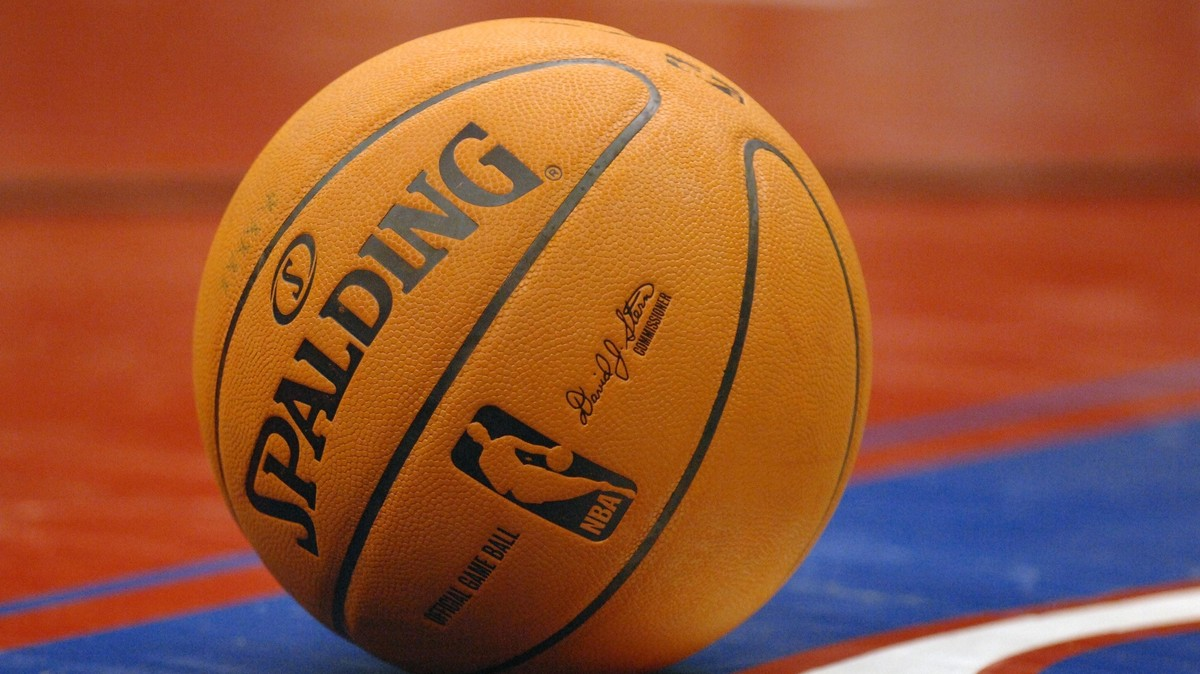 The NBA Ball That Everyone Hated: Throwback Thursday ...