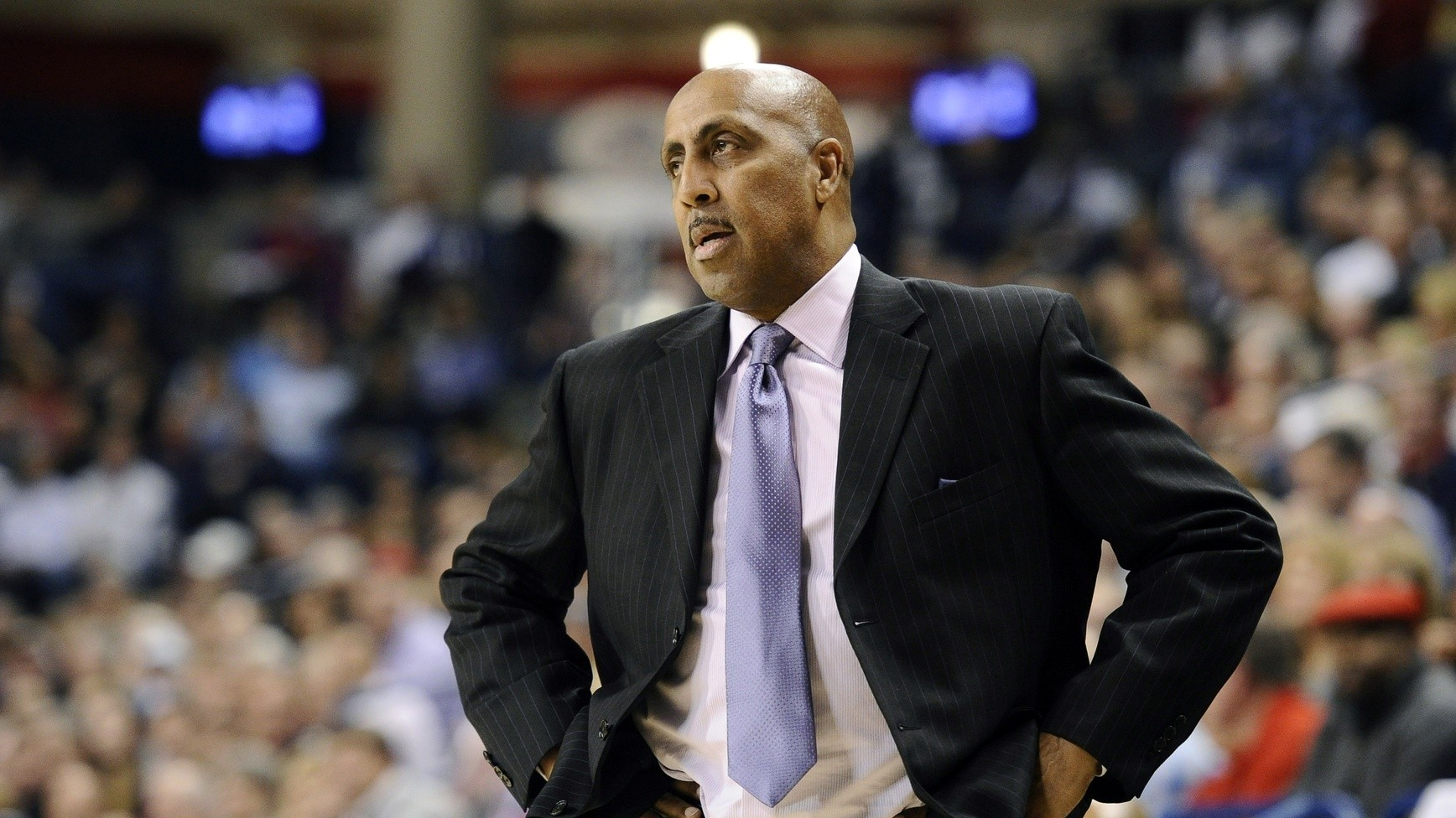 Things Are Getting Awkward for Lorenzo Romar and the Washington Huskies