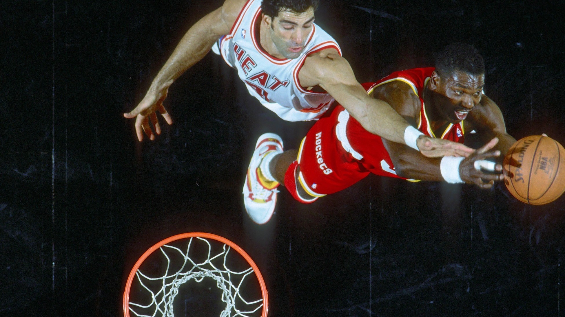 Remembering Hakeem Olajuwon s Phantom Quadruple Double and the