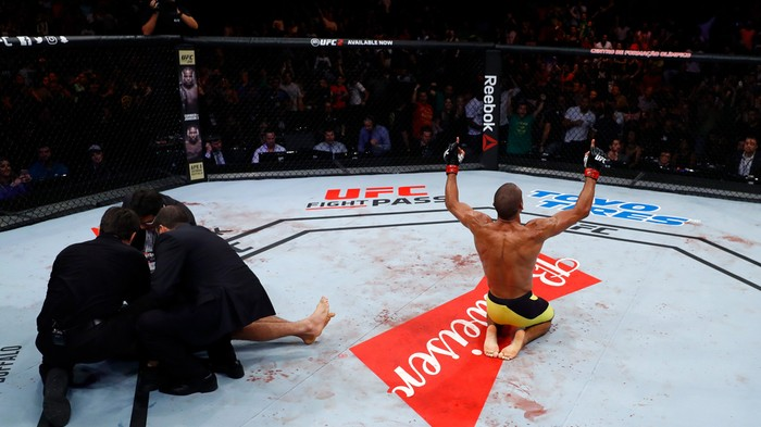 Barboza vs. Dariush: The Perfect Jumping Knee