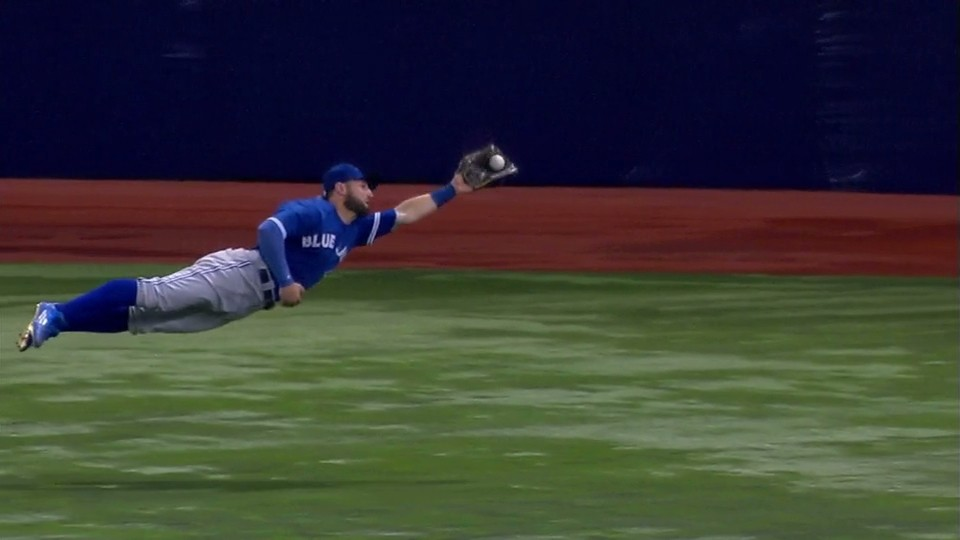 Kevin Pillar Lays Out for Ridiculous Diving Catch