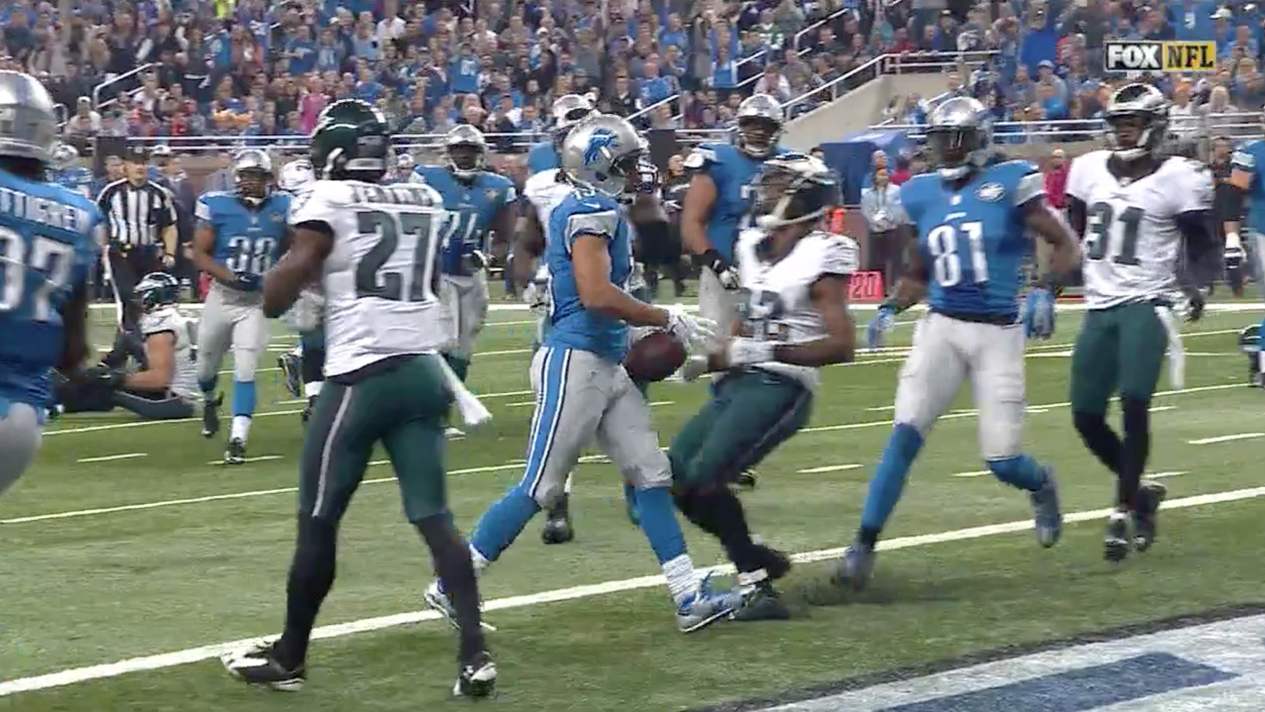 Golden Tate Cuts So Hard, He Could Walk into the End Zone