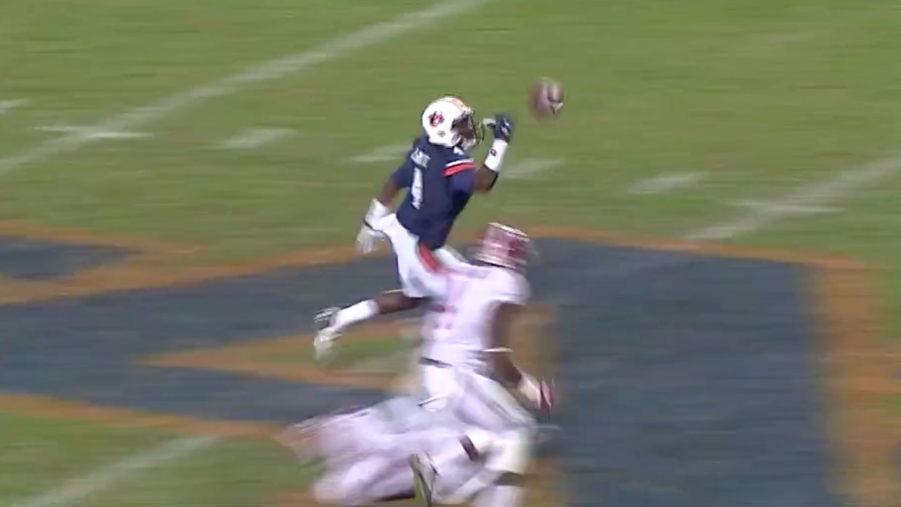 Auburn's Jason Smith Astoundingly Tips 77-Yard Pass to Himself for TD