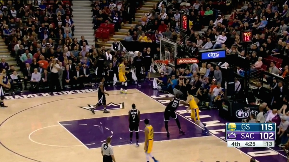 Steph Curry Oozes Confidence Right in Front of Sacramento Bench