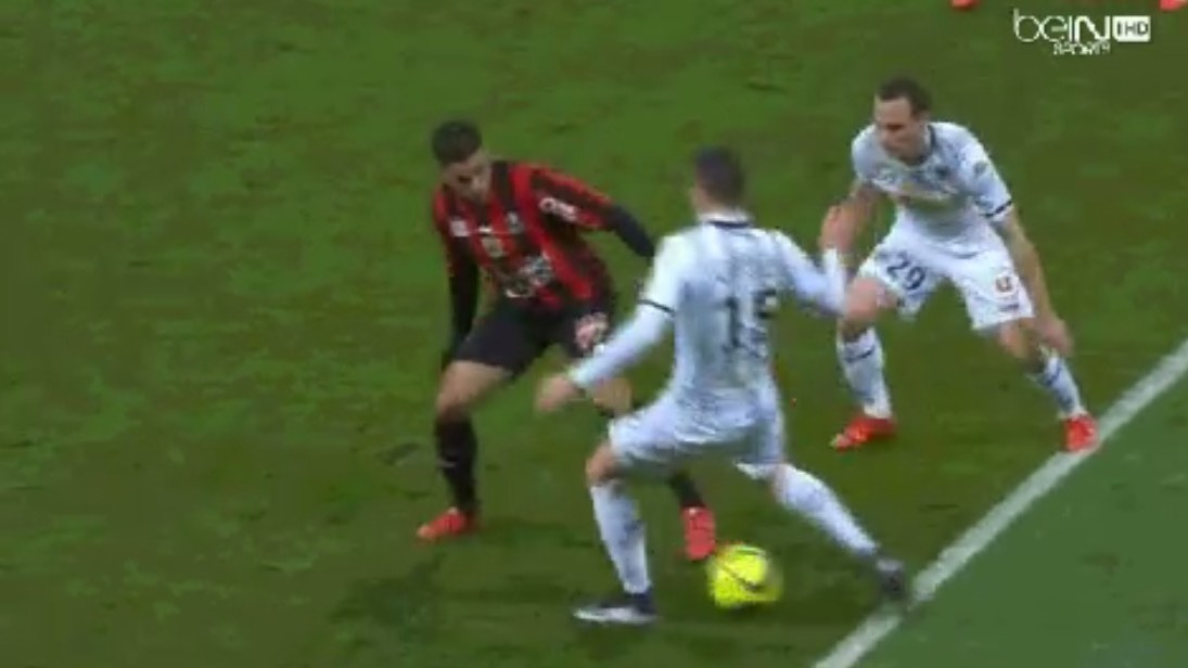 Hatem Ben Arfa Ruins Six Defenders' Lives by Using All of the Skills