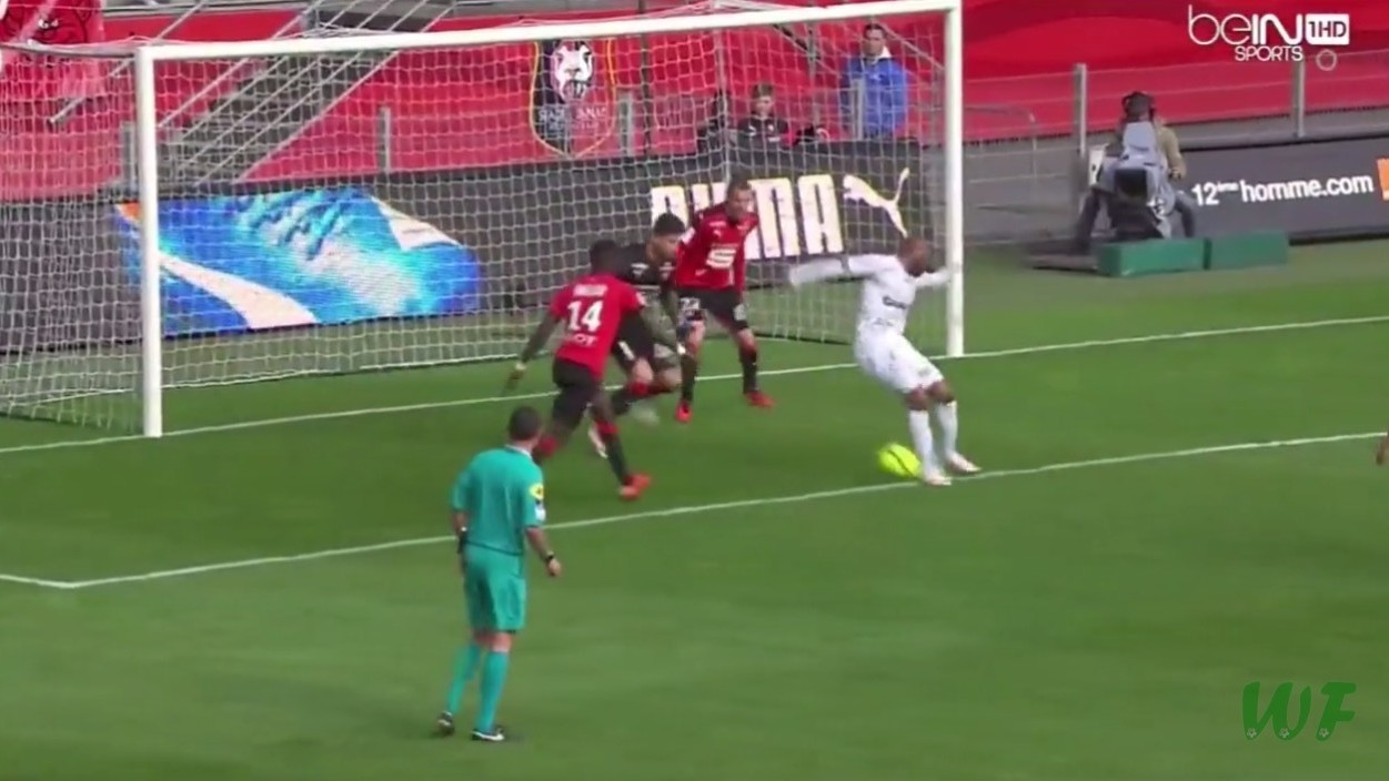Jimmy Briand Scores a Devious Backheel in Ligue 1