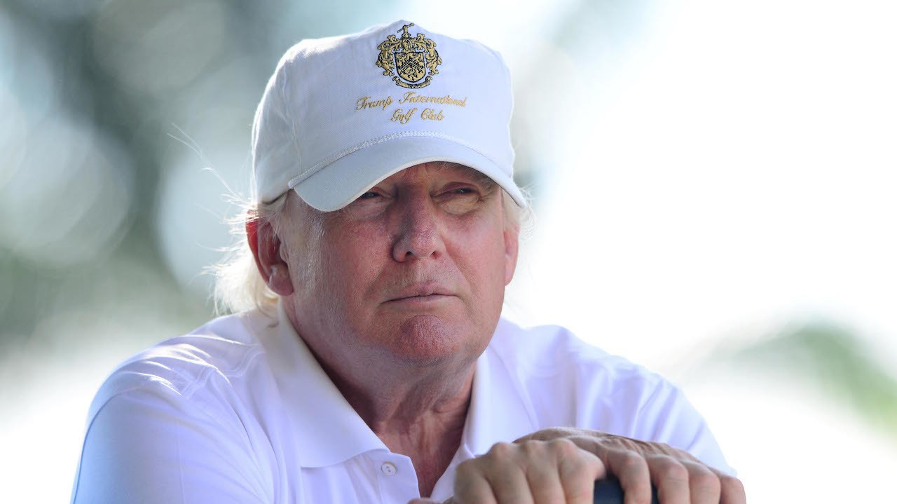 Oscar De La Hoya Says Donald Trump is a Shameless Golf Cheat