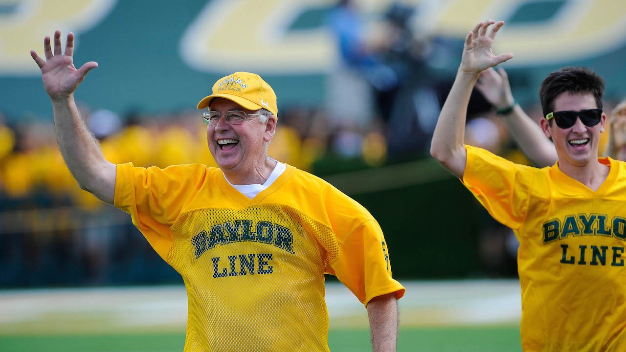 Report: Baylor President Kenneth Starr Fired Amid Campus Sex Assault Scandal