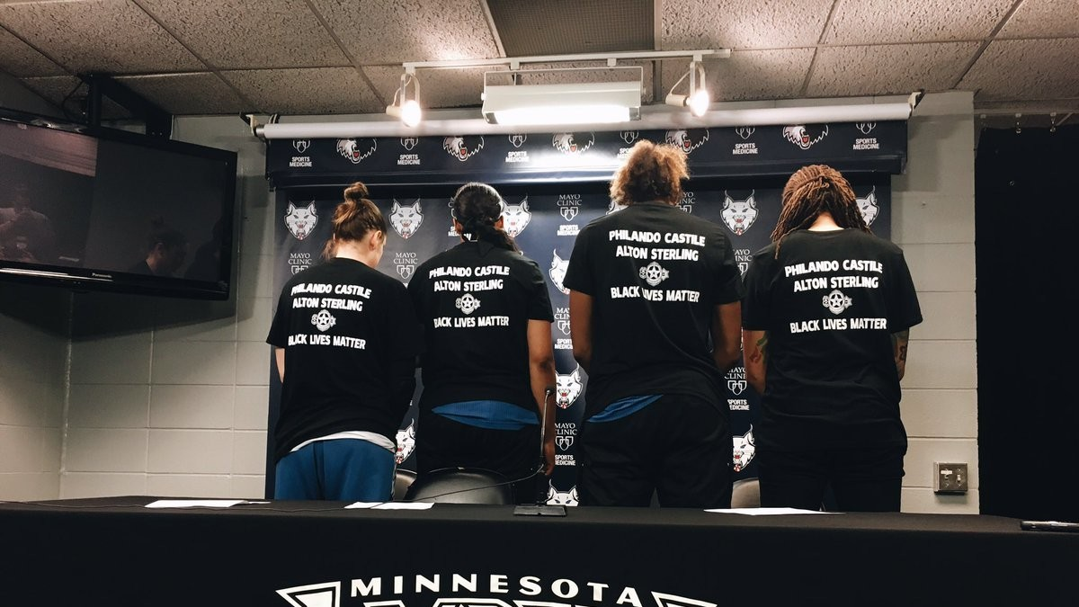 Minneapolis Cops Walk Out of Lynx Game Because Players Wore 'Black Lives Matter' Shirts