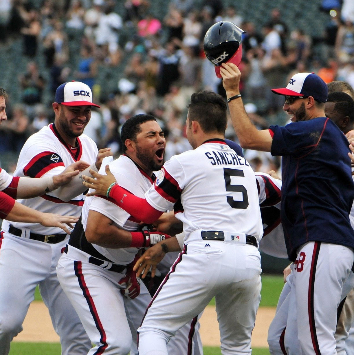 The-chicago-white-sox-might-have-the-most-woke-clubhouse-in-baseball-1469468242.jpg?crop=0.8203125xw:1xh;0