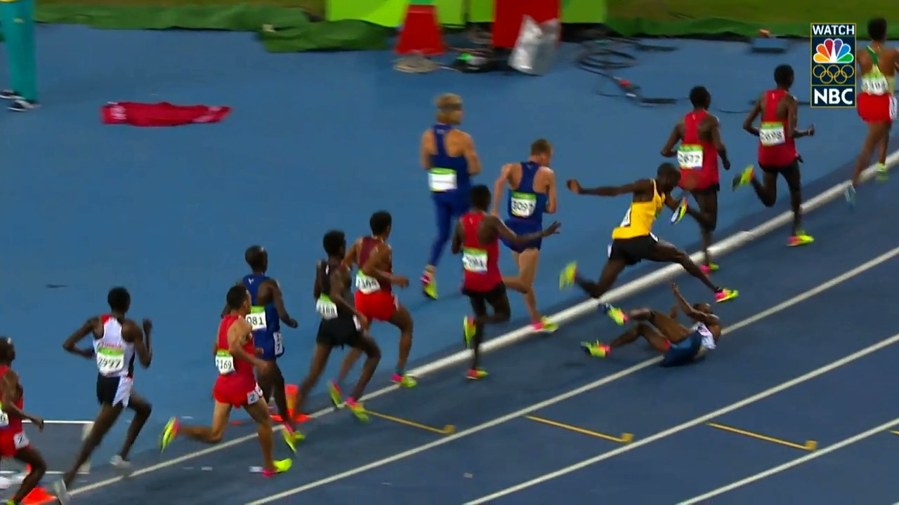 Mo Farah Comes Back to Win 10,000m After Falling in Middle of Race