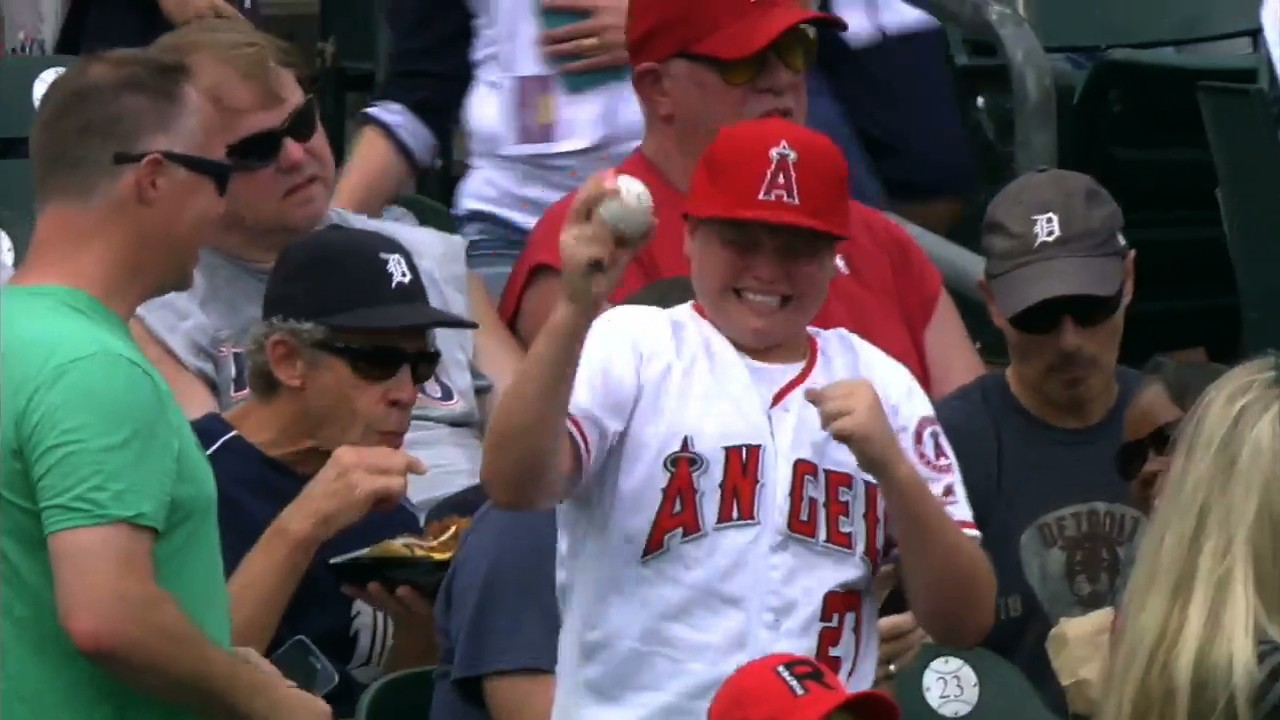 Mike Trout Signs Autograph, Makes Kid Cry (Tears of Joy)