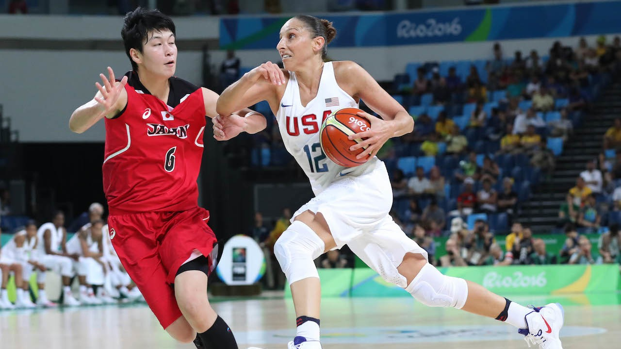 Diana Taurasi is Unstoppable in Road Elimination Games