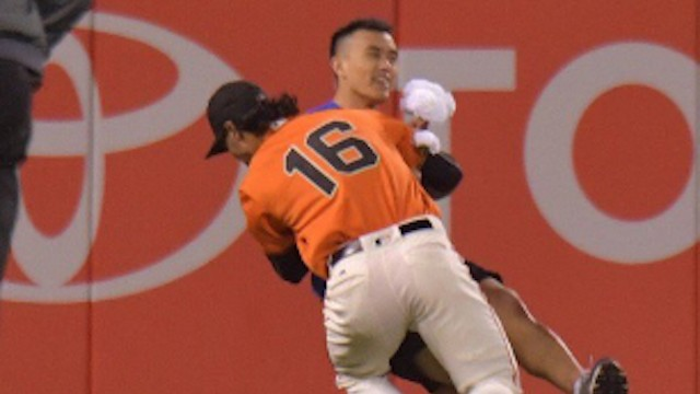 Angel Pagan Destroys Lost Flower Delivery Man With Body Slam